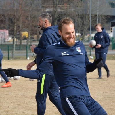 Timo Furuholm och Shefki Kuqi, Inters träningar, våren 2017.