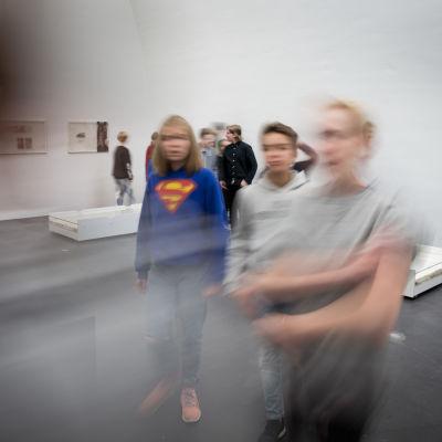 12.9.2017 Kiasman Ars17 -näyttelyssä.