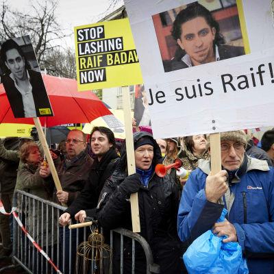Det har ordnats flera demonstrationer för Raif Badawi.