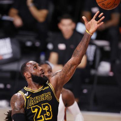 LeBron James och Lakers kan vinna NBA-mästerskapet på fredag.