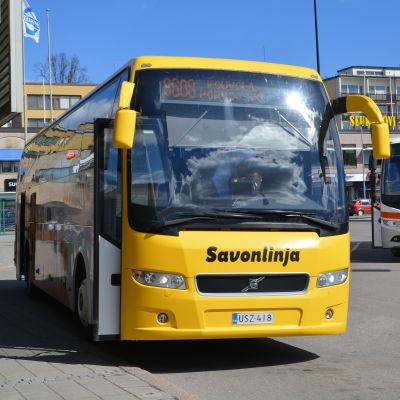 Savonlinjas buss på busstationen i Borgå