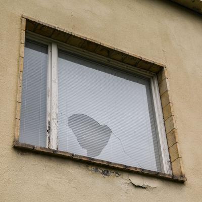 Söndrat fönster