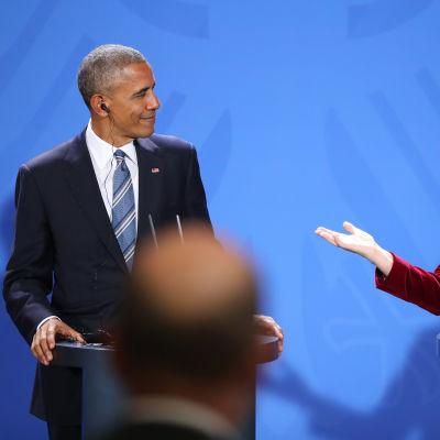 Barack Obama och Angela Merkel vid en presskonferens