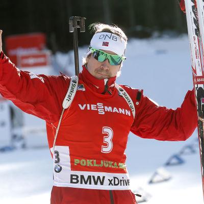 Emil Hegle Svendsen firar seger, Pokljuka 2014