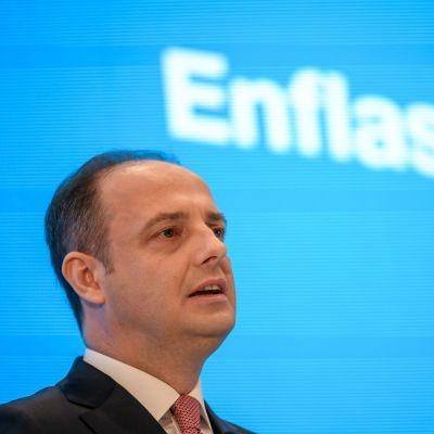 Chefen för Turkiets centralbank, Murat Çetinkaya, under en presskonferens i Istanbul den 30 april.