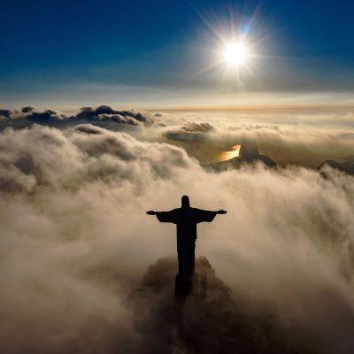 Kristus Vapahtaja -patsasta on alettu kunnostaa Rio de Janeirossa