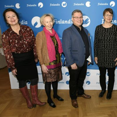Ann-Luise Bertell, Anne Vuori-Kemilä, Tommi Kinnunen, Ritva Hellsten, Anni Kytömäki och Heikki Kännö på Finlandiaprisnomineringstillfället 5.11.2020.