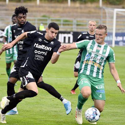 FC Lahden Altin Zeqiri ja KTP:n Paavo Voutilainen.