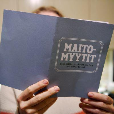 Mjölkmyter-broschyren. På finska.
