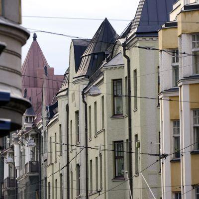 Hus på Fredriksgatan i Helsingfors.