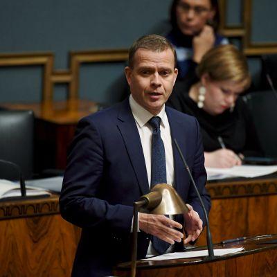 Petteri Orpo i riksdagens plenisal.