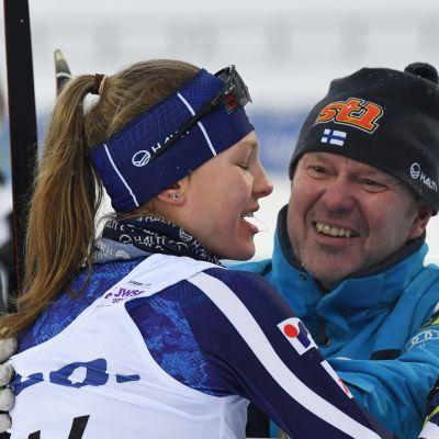 Eveliina Piippo efter att ha kommit mål.