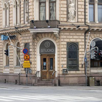Ravintola Studio, jossa oli joukkotappelu pe-la -välisenä yönä, Turun keskustassa lauantaina 10. heinäkuuta 2021.