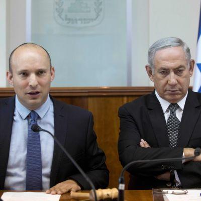 Utbildningsminister Naftali Bennett och premiärminister Benjamin Netanyahu