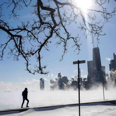Ånga över Lake Michigan i minus 29 Celsius i Chicago, Illinois på onsdagen.