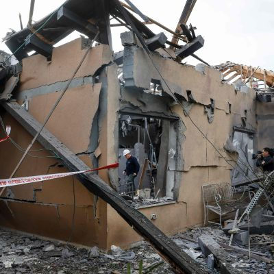 Huset som träffades av raketen i Mishmeret, norr om Tel Aviv.