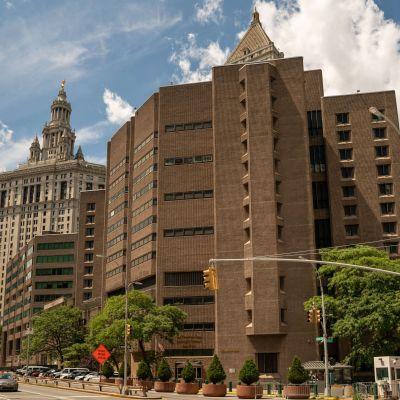 The Metropolitan Correctional Facility där Jeffrey Epstein hittades död i sin cell