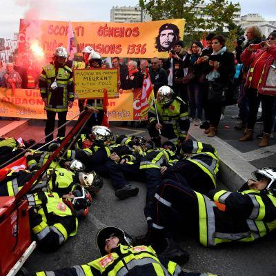 Brandmän strejkar i Marseille 5.12.2019