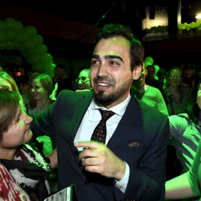 Ozan Yanar på De grönas valvaka