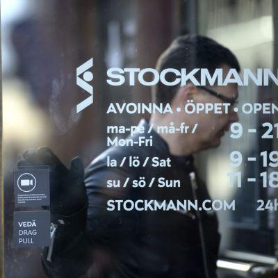 Stockmann hoppas att strategiändringen snart sysn i resultatet.