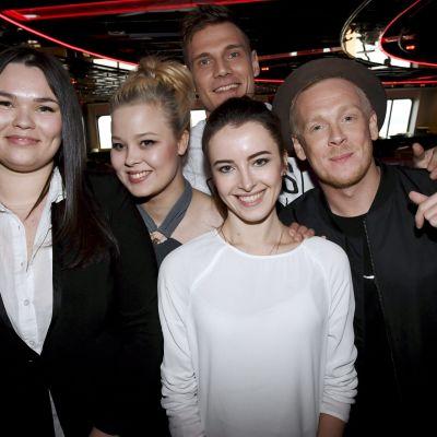 Från vänster: Saija Saarnisto, Saija Saarinen, Mariia Kharlamova, Lasse Mellberg, Juuso Vuorinen (Bakom)