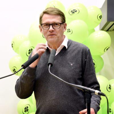Centerns Matti Vanhanen talar på första maj