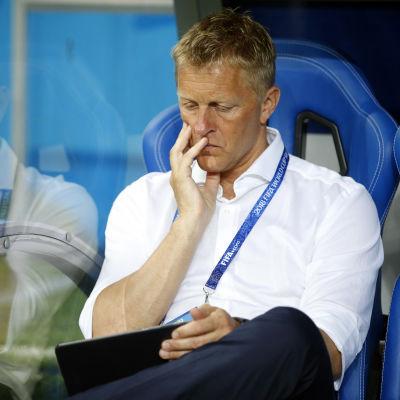 Heimir Hallgrimsson under VM-slutspelet i fotboll.
