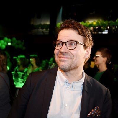 Ville Niinistö på De grönas valvaka på Tavastia i Helsingfors.