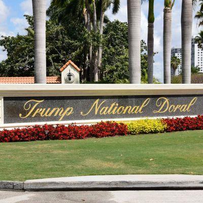 Infarten till Trumps golfklubb Trump National Doral i Miami, Florida på en arkivbild från april 2018.