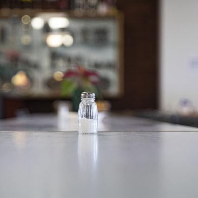 Suolasirotin Lappeenranna Työttömien ruokalan pöydällä.