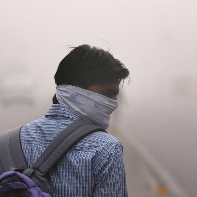 Ilskan i Delhi tilltar över myndigheternas passivitet.