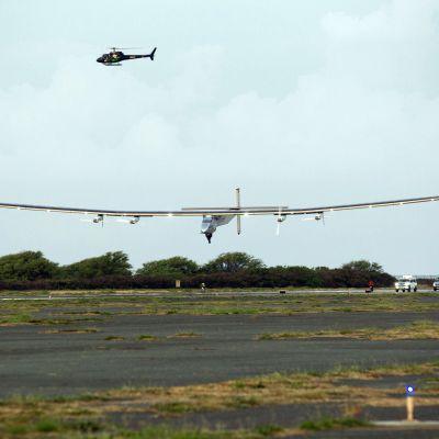 Det soldrivna planet Solar Impulse landade på Hawaii den 3 juli 2015.