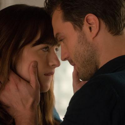 Het omfaning mellan Anastasia och Christian.