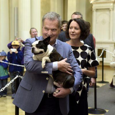 President Jenni Haukio med hunden Lennu, Jenni Haukio.