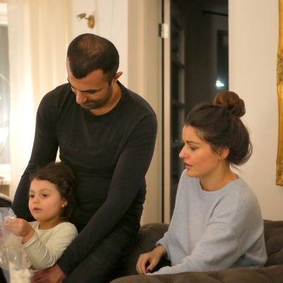 Mehmet med dottern Selma och frun Sara Bekalp.
