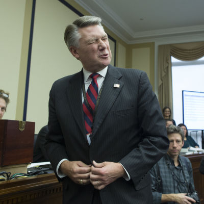 Nyinvald Mark Harris i kongressen, då glad.