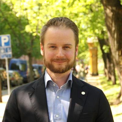 Tom Lönnroth är bostadsfinansieringsdirektör på Finlands Hypoteksförening.