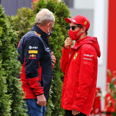 Under formel 1-veckoslutet i Ungern sågs Red Bulls Helmut Marko snacka med Ferraris Sebastian Vettel.