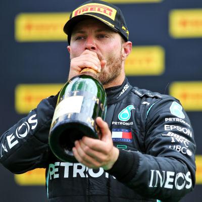 Valtteri Bottas drick champagne efter andra platsen i Österrikes GP.