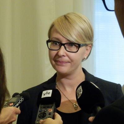 Riksdagens talman Maria Lohela (sannf) intervjuad av Yle inför höststarten 2015