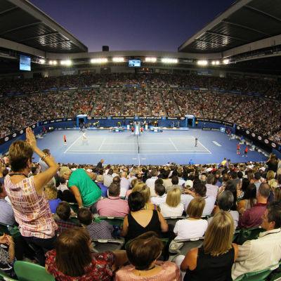 Publik ser på en match i australian open