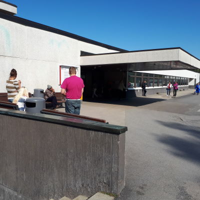 Rökare vid centralsjukhuset i Karleby.
