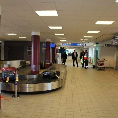 Joensuun lentoaseman uusi matkatavarakaruselli