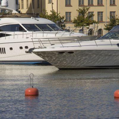 luksusveneitä