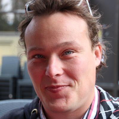 Samuli Männistö suunnitteli ja toteutti rokkiviikoille sivuston.