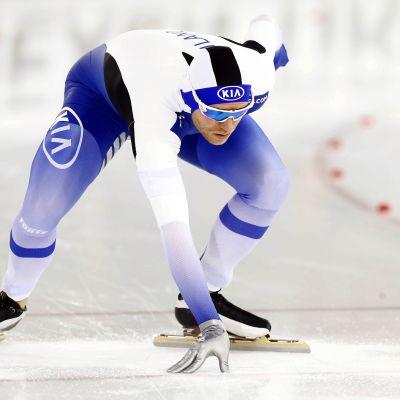 Skridskoåkaren Mika Poutala i startposition