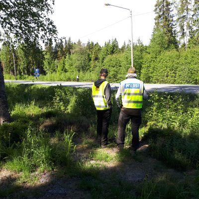 SRVA och polis på Larsmovägen i Jakobstad.