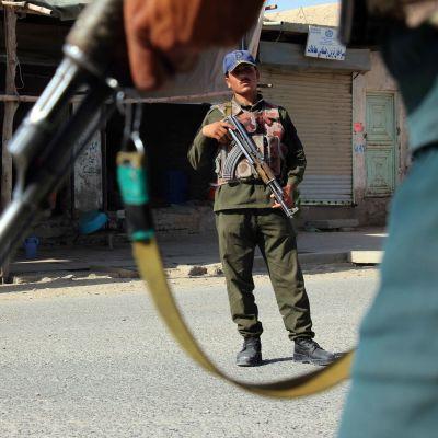 Afghanska säkerhetsstyrkor i staden Kandahar, i södra Afghanistan, på torsdagen 7.6.