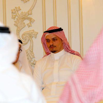Jamal Khashoggis äldste son Salah Khashoggi tog emot kondoleanser i Jeddah den 16 november 2018.