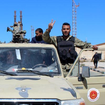 Häftiga strider rasar i Tripolis sydliga förorter men striderna kommer allt närmare stadskärnan